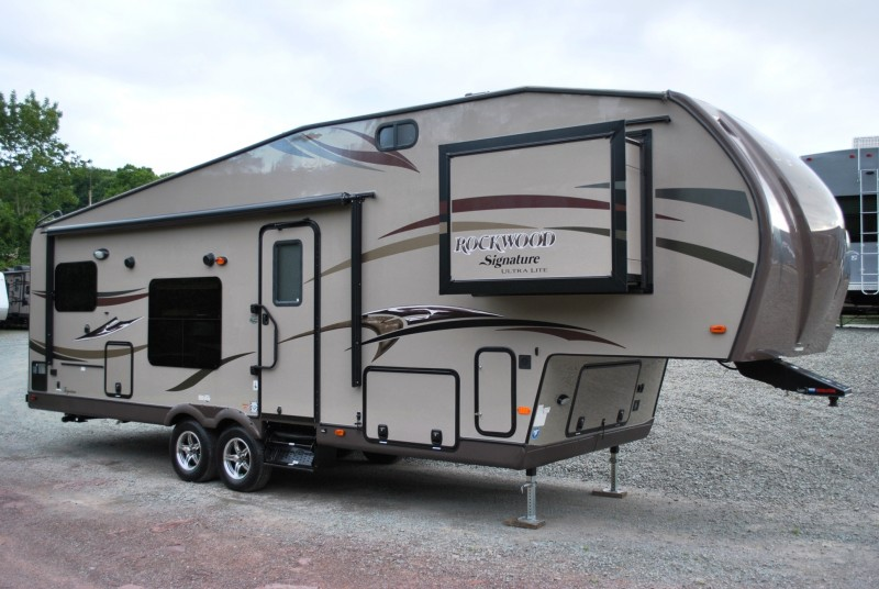 2015 Forest River Rockwood Signature Ultra Lite Rockwood
